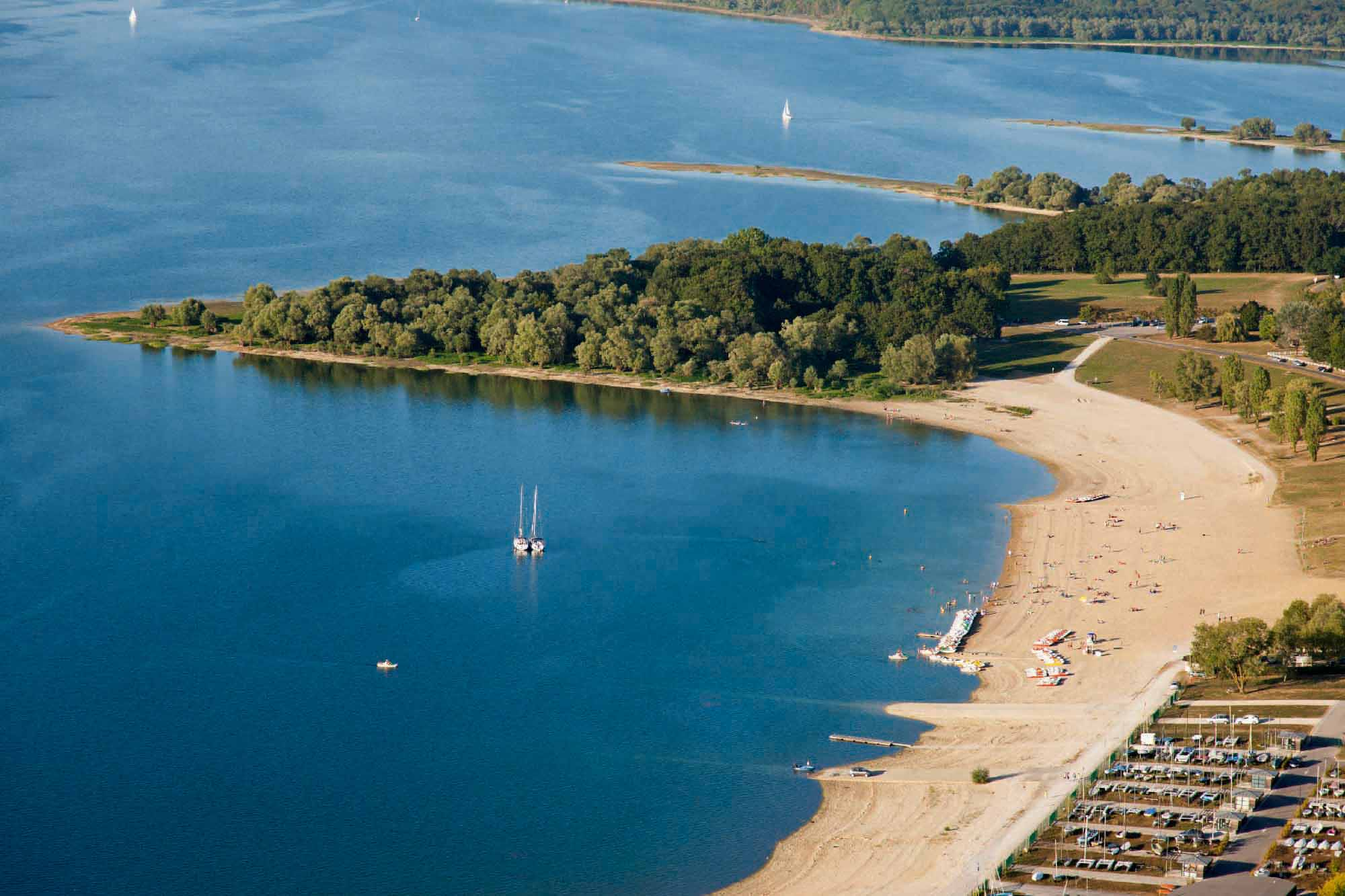 Vue aérienne de  la plage de  Mesnil-Saint-Père.